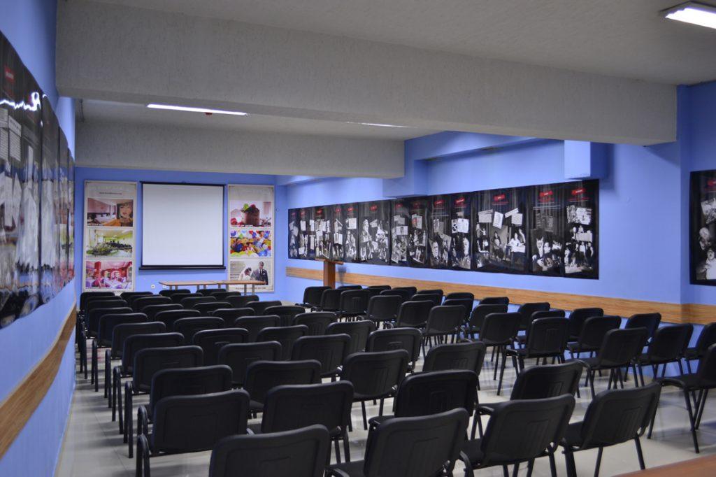 Голямата зала на арт хотел Симона