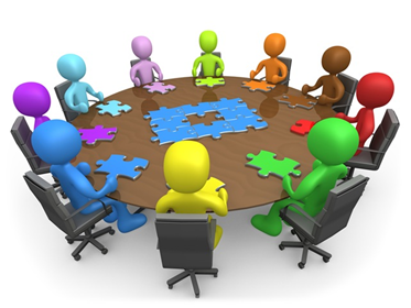 Хора около кръгла маса - семинар