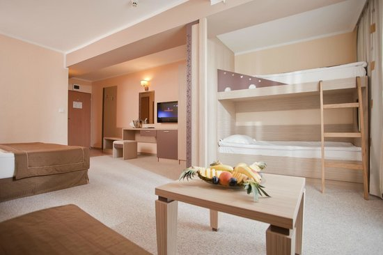 Хотел Еврика двойна стая с двуетажно детско легло